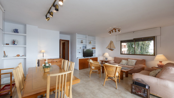 Front line beach apartment in central Marbella for sale - Gilmar_