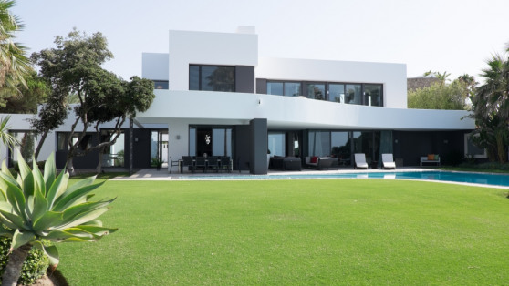 Villa in front line beach for sale - Gilmar_