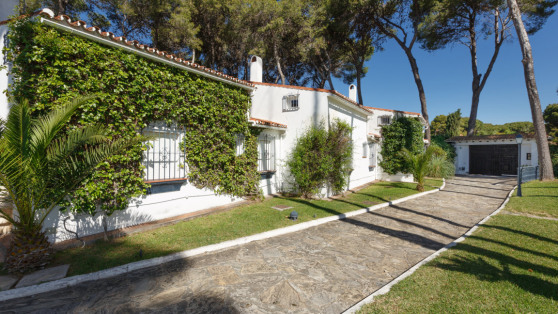 Frontline beach villa New Golden Mile,  Estepona for sale - Gilmar_