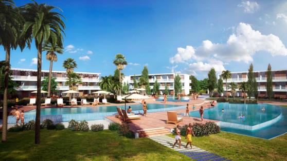 Venta de Bajo con amplio jardín, primera linea de playa - Gilmar_