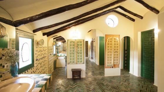 Authentic and unique estate in Estepona for sale - Gilmar_