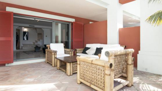 Venta de Bajo duplex con piscina en Marina de Sotogrande - Gilmar_