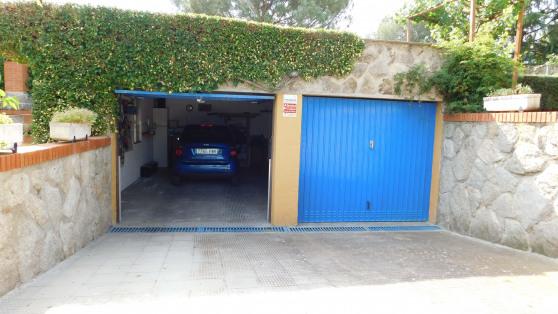 Venta de Estupendo pareado en Urbanización Miraval - Gilmar_