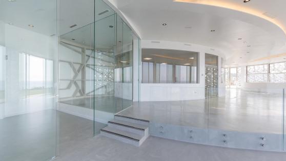 Business premise in Estepona Puerto for sale - Gilmar_