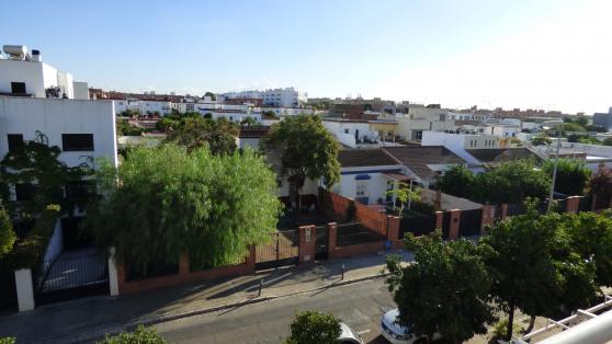 Venta de Excelente Chalet Adosado en Los Bermejales - Gilmar_